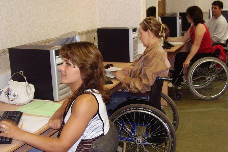 Підприємства, де працюють інваліди, користуються пільгами (фото) - фото 1