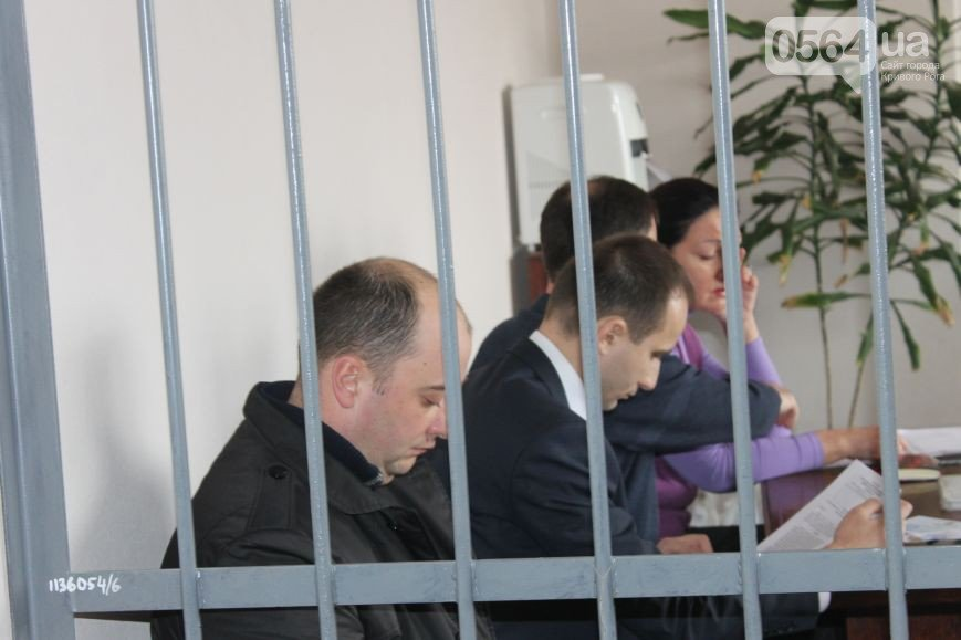 В Кривом Роге: суд над бывшим заммэра третий раз перенесли, бойцы спецбатальона отправились в АТО, Юрий Вилкул побывал на «Марше патриотов» (фото) - фото 1