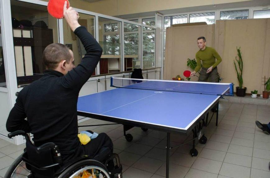 Коммунальники проиграли в теннисном турнире слушателям центра инвалидов, фото-3