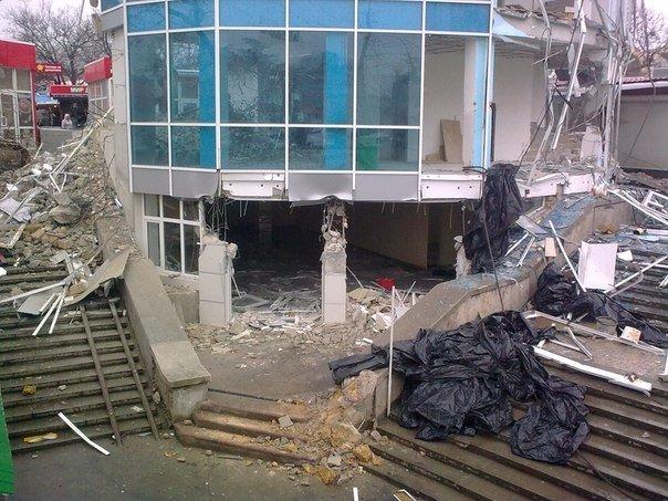 В Симферополе продолжается снос трехэтажной «стекляшки» на Центральном рынке. Стало известно, что будет на ее месте (ФОТО) (фото) - фото 4