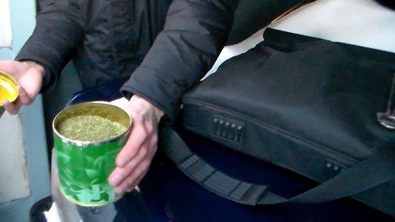 В Кременчуці жінка з племінницею організували торгівлю наркотиками (фото) - фото 1