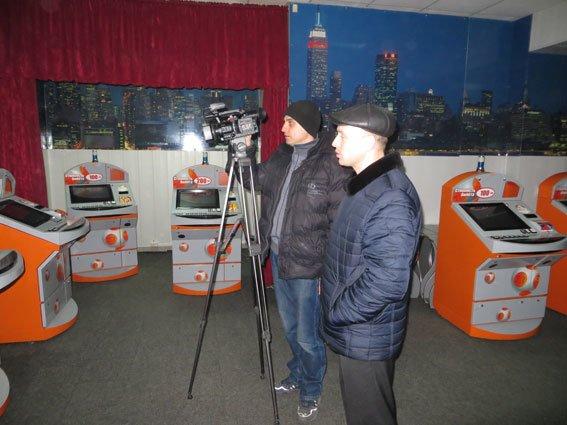 У Лубнах виявили десять автоматів «миттєвої лотереї» (фото) - фото 1