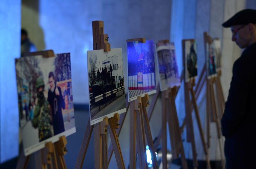 В Симферополе показали хронологию «Крымской весны» в фотографиях (ФОТО), фото-9
