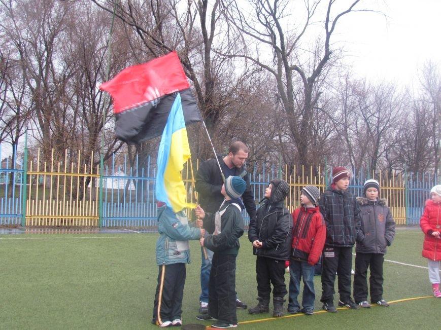 «Правый сектор» и тернопольские волонтеры раздавали конфеты мариупольским детям (ФОТО), фото-3
