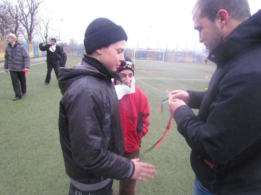 «Правый сектор» и тернопольские волонтеры раздавали конфеты мариупольским детям (ФОТО), фото-2