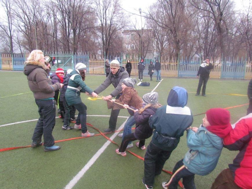 «Правый сектор» и тернопольские волонтеры раздавали конфеты мариупольским детям (ФОТО), фото-10