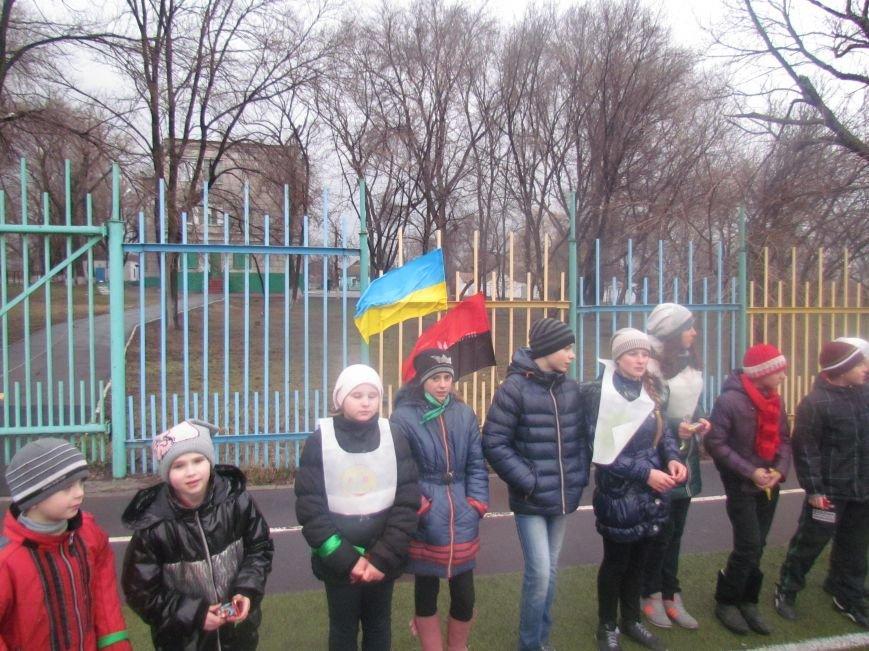 «Правый сектор» и тернопольские волонтеры раздавали конфеты мариупольским детям (ФОТО), фото-1