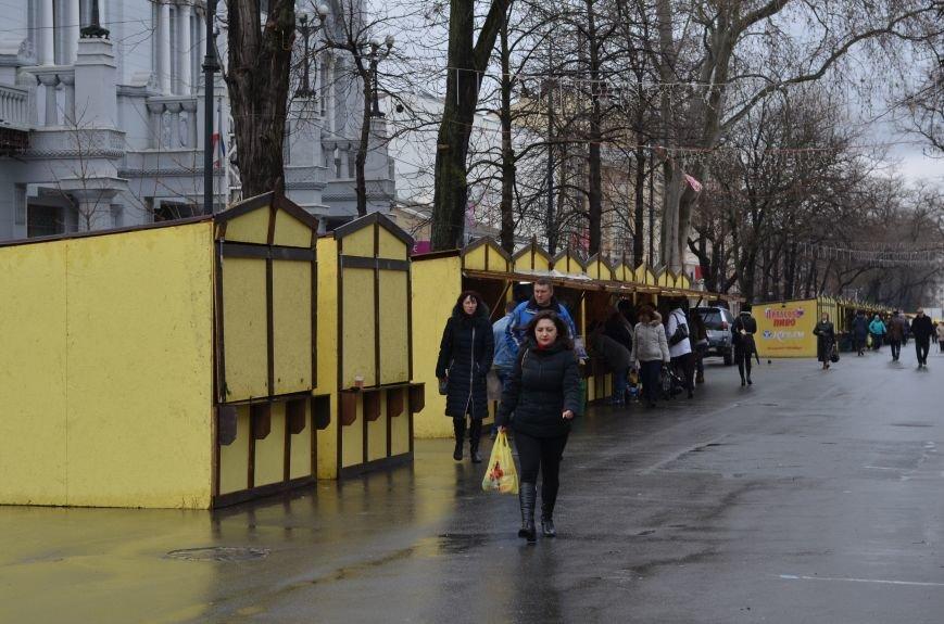 С центральных улиц Симферополя уберут ларьки с едой и сувенирами. Но только после праздников (ФОТО), фото-3
