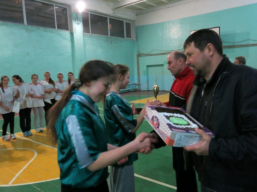 В Димитрове прошло первенство отдела образования по баскетболу среди девушек (ФОТО), фото-4