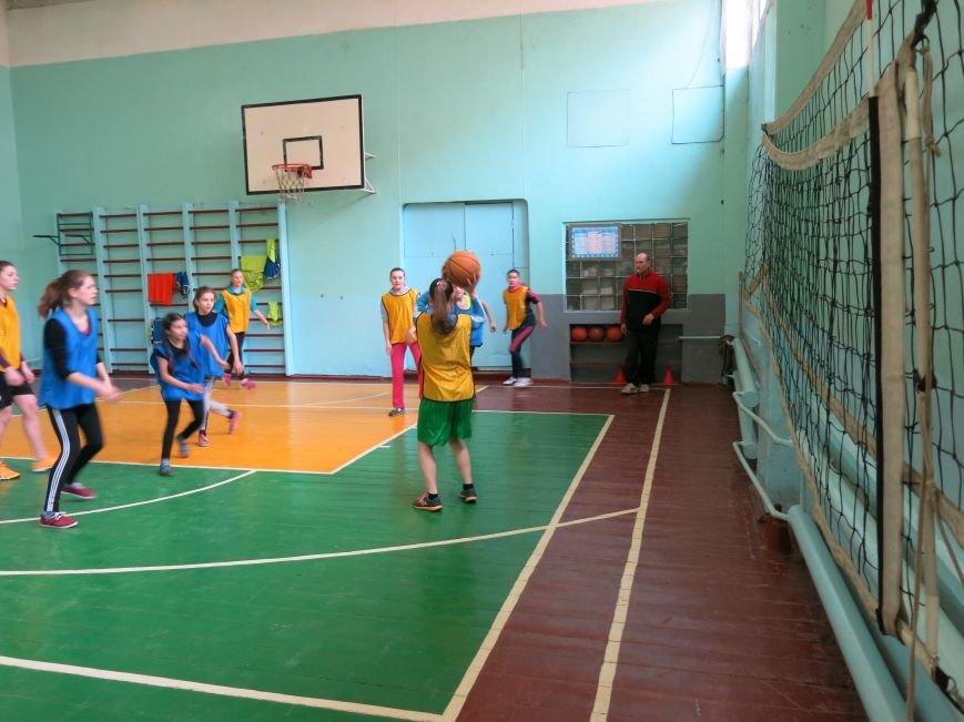 В Димитрове прошло первенство отдела образования по баскетболу среди девушек (ФОТО), фото-1