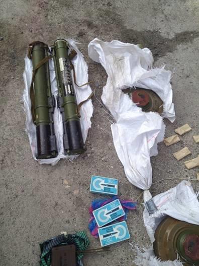 В Часов Яре сотрудники СБУ выявили тайник диверсантов с оружием и взрывчаткой, фото-2