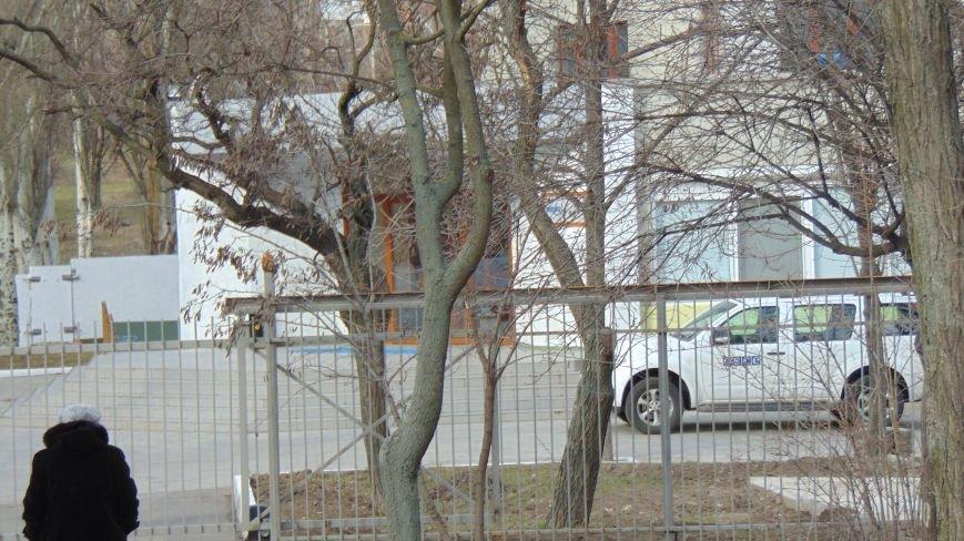 Перед офисом ОБСЕ марупольцы не ударили лицом в грязь (ФОТОФАКТ) (фото) - фото 1