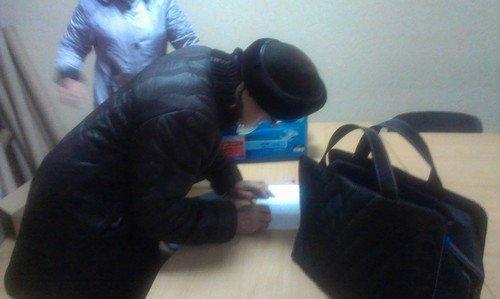 В исполкоме горсовета раздали помощь для авдеевских инвалидов (фото), фото-1