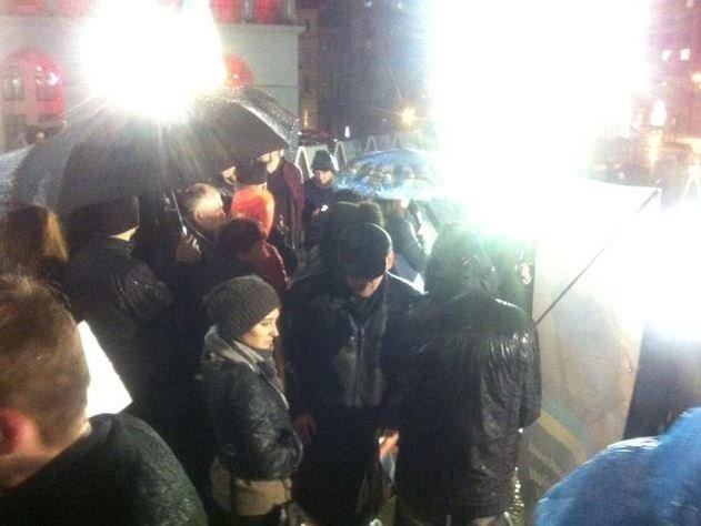 На Майдані вшанували пам'ять убитого донецького активіста (фото, відео) (фото) - фото 2