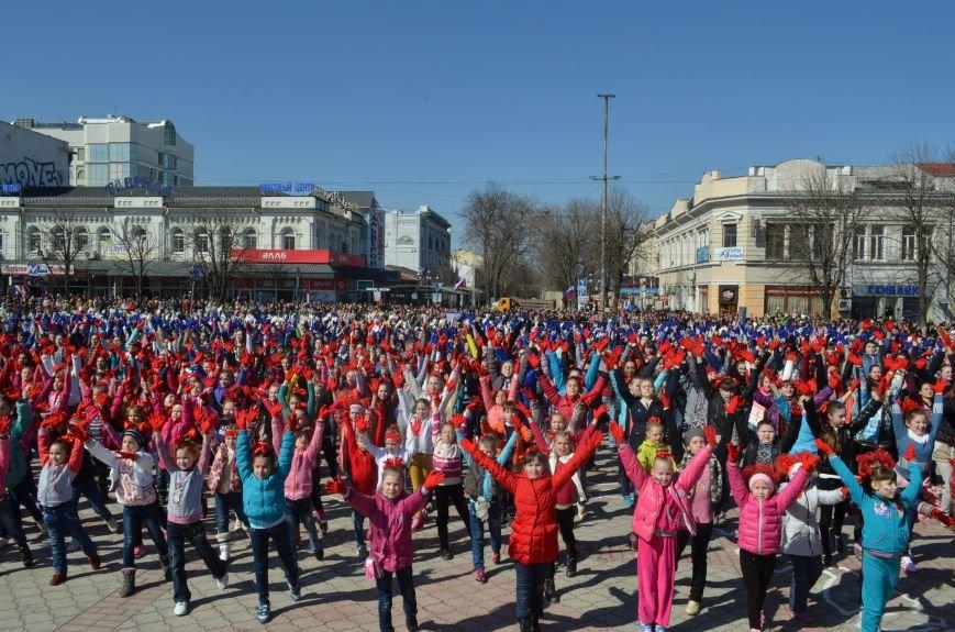 В центре Симферополя прошел детский танцевальный флешмоб (ФОТО, ВИДЕО), фото-2