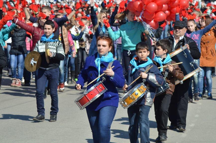 В центре Симферополя прошел детский танцевальный флешмоб (ФОТО, ВИДЕО), фото-1