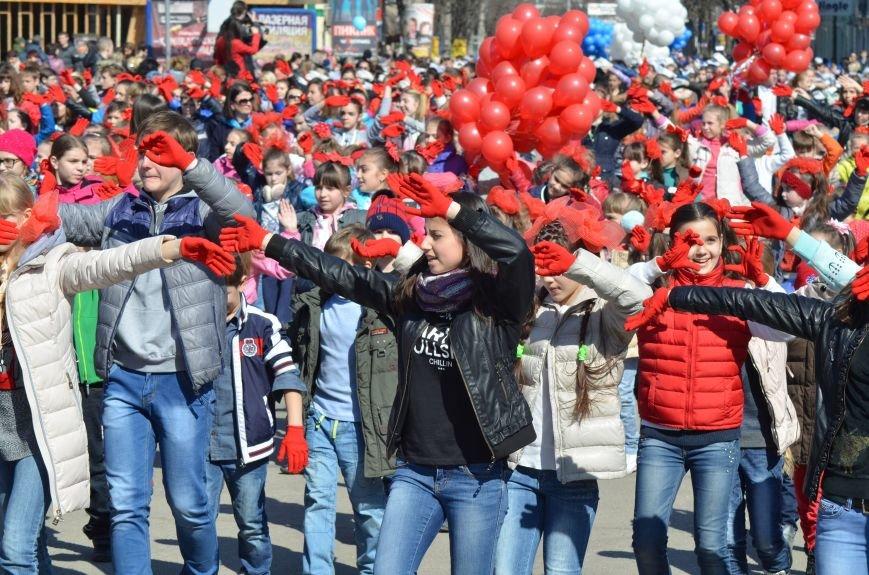 В центре Симферополя прошел детский танцевальный флешмоб (ФОТО, ВИДЕО), фото-6