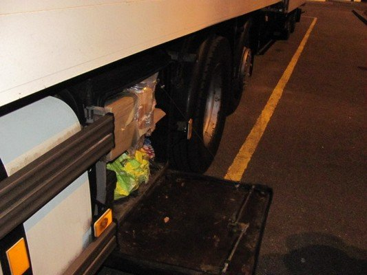 На КПП «Бенякони» задержали россиянина, который по просьбе друга перевозил запчасти на 60 млн. рублей (фото) - фото 3