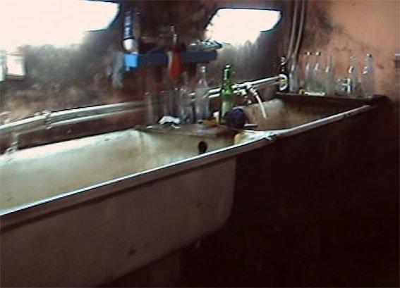 У Полтаві троє чоловіків організували підпільний цех з виготовлення алкоголю (ФОТО) (фото) - фото 1