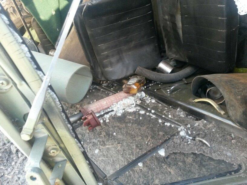 В Мариуполе военный ВАЗик столкнулся с легковушкой (ФОТО) (фото) - фото 2