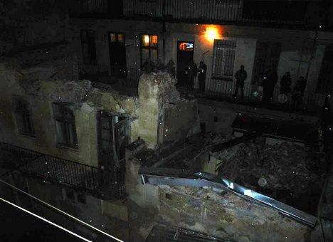 Вже незабаром львів'яни дізнаються, чому у центрі Львова обвалилась стіна будинку (ФОТОРЕПОРТАЖ) (фото) - фото 6
