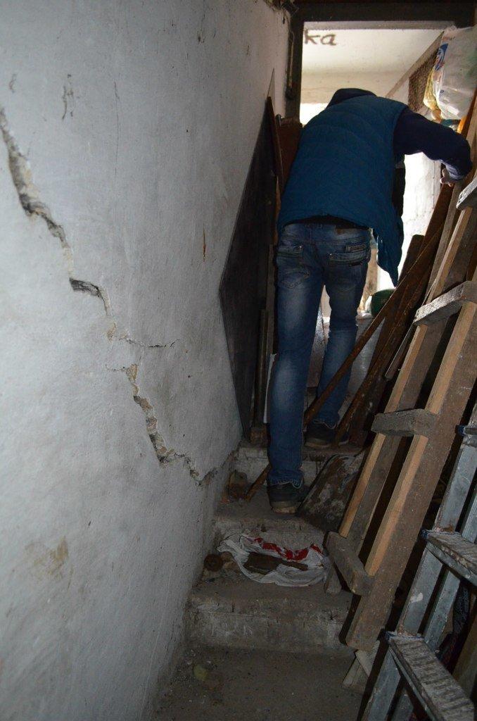В «бомбоубежищах» Кривого Рога живут бомжи и бездомные животные (ФОТО) (фото) - фото 5