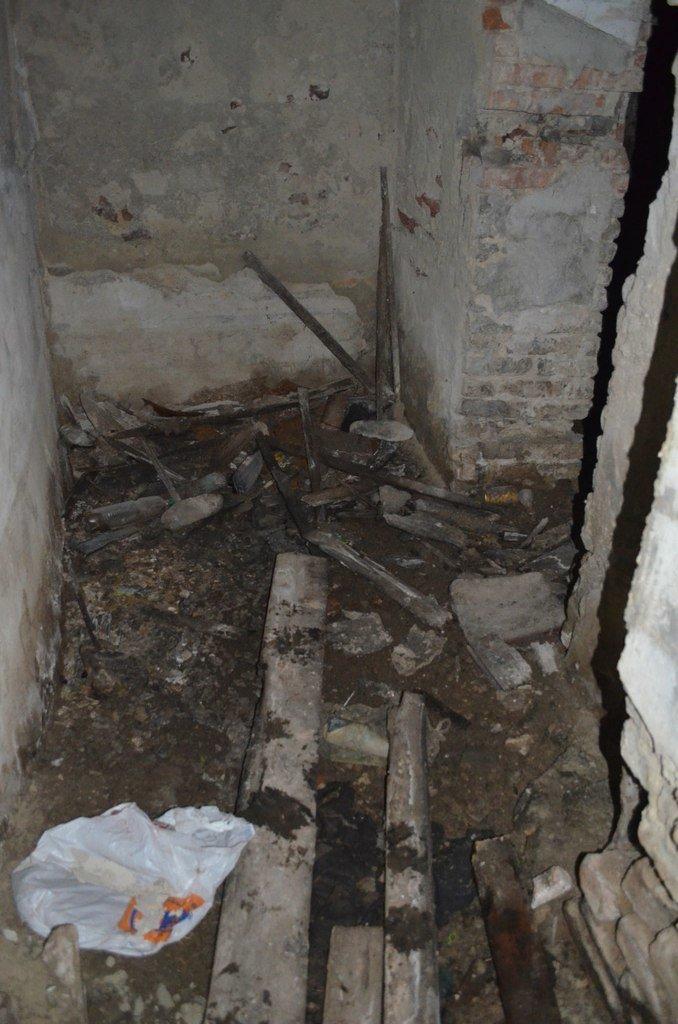 В «бомбоубежищах» Кривого Рога живут бомжи и бездомные животные (ФОТО) (фото) - фото 7