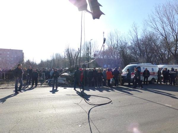 В Донецкой области бронированный автомобиль украинских военных раздавил 8-летнюю девочку (ФОТО) (фото) - фото 2