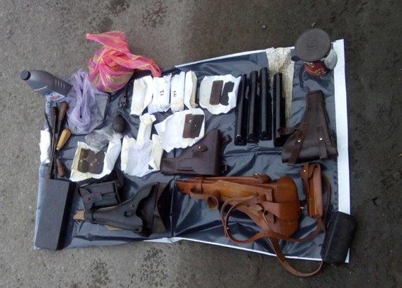 В Харькове задержали луганчанина с арсеналом оружия (ФОТО) (фото) - фото 1