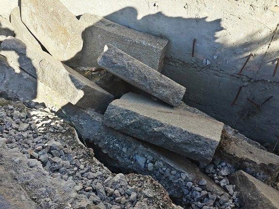 Пам'ятник воїнам-інтернаціоналістам у центрі Черкас обвалюється, фото-4