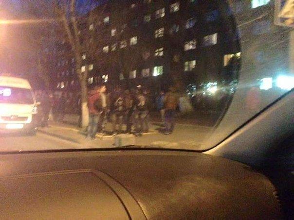 У Львові боєць у військовій формі поранив ножем трьох  хлопців (ФОТО) (фото) - фото 3