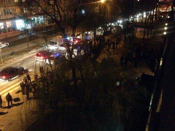 У Львові боєць у військовій формі поранив ножем трьох хлопців (ФОТО) (фото) - фото 1