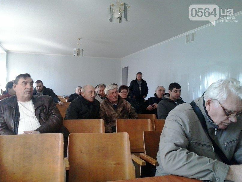 В Кривом Роге: коммунальные СМИ заполнены пропагандой «ОБ», активисты ищут бомбоубежища, общественники против подорожания проезда (фото) - фото 3