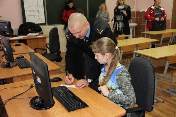 В Гродно прошла олимпиада среди детей по знанию ПДД (фото) - фото 4