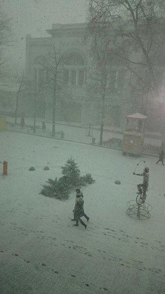 Весна в Крыму сменилась штормовой зимой (ФОТО, ВИДЕО) (фото) - фото 6