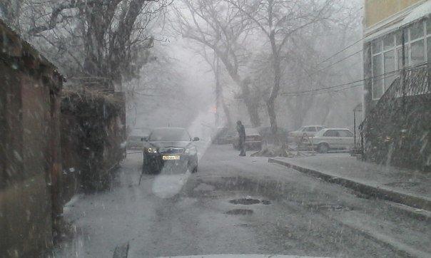 Весна в Крыму сменилась штормовой зимой (ФОТО, ВИДЕО) (фото) - фото 8
