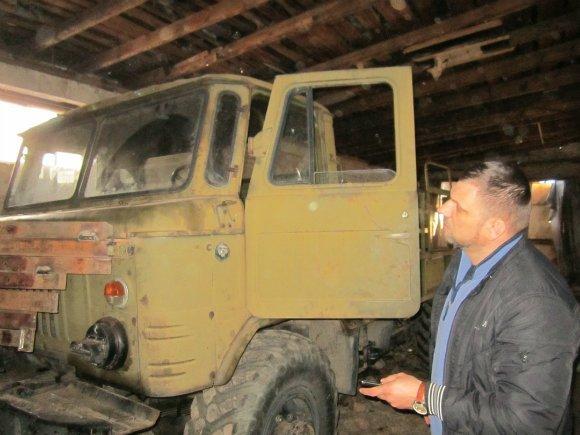 На Кировоградщине волонтерская база приняла в ремонт еще три машины. ФОТО (фото) - фото 1