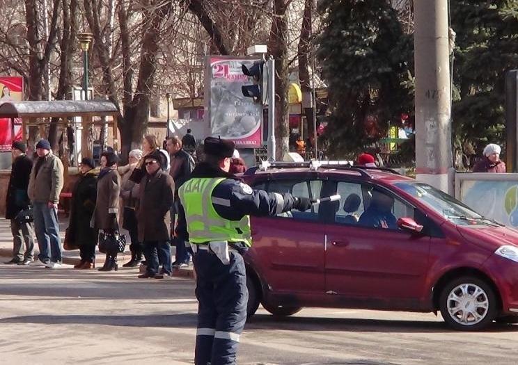 ДАІ Кіровоградщини проводить профілактичну роботу серед пішоходів (фото) - фото 1