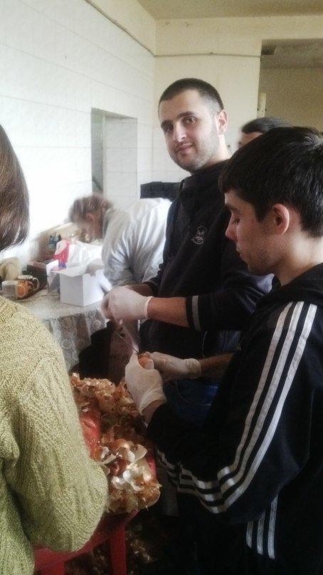 Украинские и иностранные студенты СумГУ помогают воинам АТО (ФОТО) (фото) - фото 1