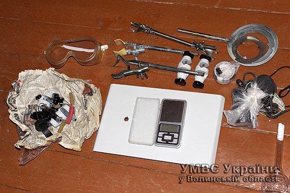 На Волині міліція викрила нарколабораторію (ФОТО, ВІДЕО) (фото) - фото 1