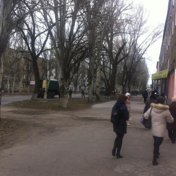 В центре Маеевки российские наемники пытаются штурмовать военную комендатуру боевиков (ФОТО, ВИДЕО) (фото) - фото 1