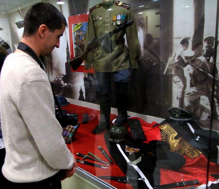 «Дедывоевали»:  В Донецке боевики дограбили музей Великой Отечественной войны (фото) - фото 1