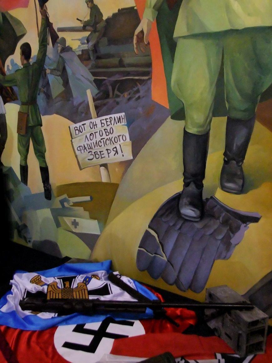 «Дедывоевали»:  В Донецке боевики дограбили музей Великой Отечественной войны (фото) - фото 3