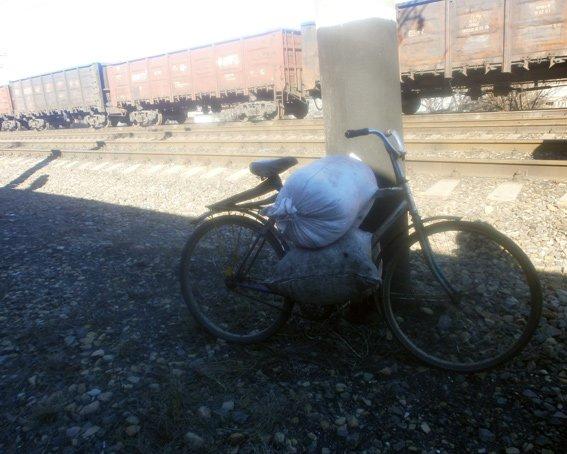 На станции Красноармейск задержан 19-летний парень, который пытался украсть уголь (фото) - фото 2