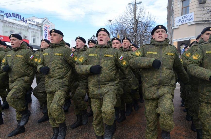 По центру Симферополя под звуки оркестра промаршировали военные (ФОТО, ВИДЕО), фото-6