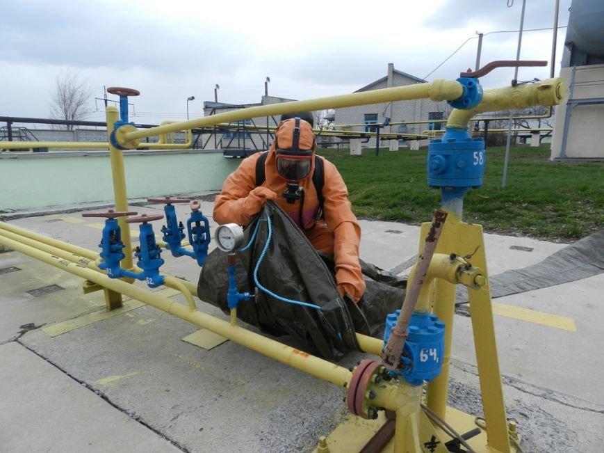Учения херсонских спасателей: авария на аммиакопроводе (фото) (фото) - фото 1