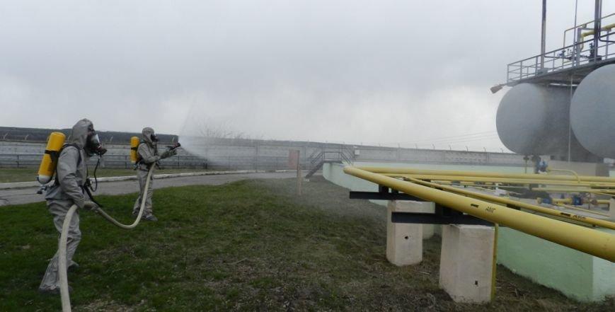Учения херсонских спасателей: авария на аммиакопроводе (фото) (фото) - фото 4