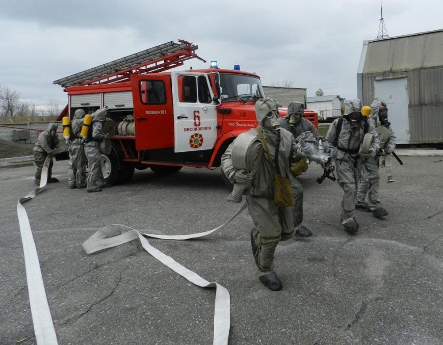 Учения херсонских спасателей: авария на аммиакопроводе (фото) (фото) - фото 2