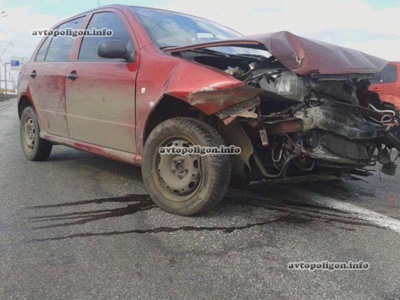 В столице образовалась автомобильная пробка из-за ДТП на Южном мосту (ФОТО) (фото) - фото 1