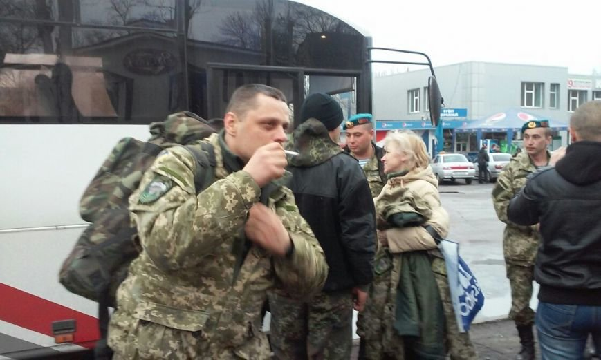 Криворожане встретили десантников-«дембелей» (ФОТО) (фото) - фото 1